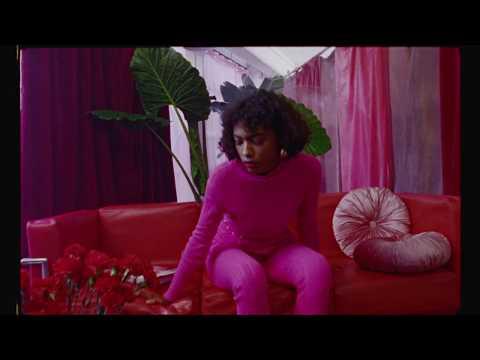 SHE KNOWS - VASQUIAT - Publicidad